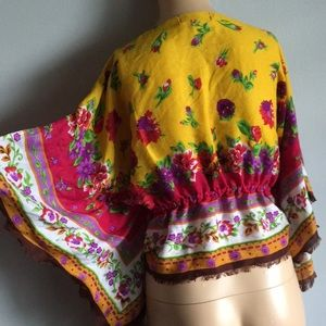Betsey Johnson Tops - Betsey Johnson Poncho Romantic Floral Top S M